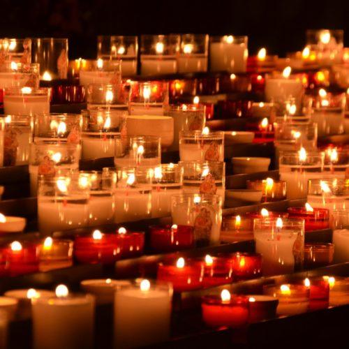 11 Best Cheap Candles Under $20 in 2021