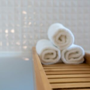22 Towel Storage Ideas to Maximize Space in Any Bathroom